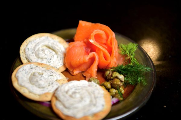 Smoked salmon Balmoral on plate with crackers